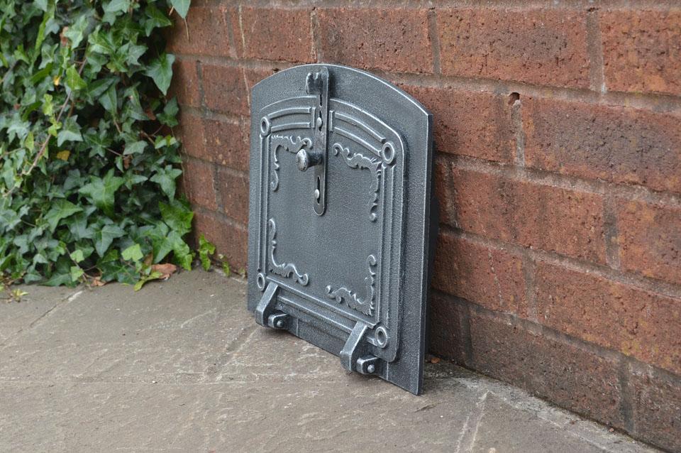 37 x 31 cm cast iron fire door clay bread oven doors for Door 2 door pizza