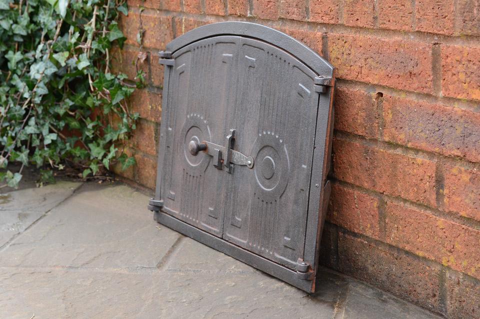 48 x 38 cm cast iron fire door clay bread oven doors for Door 2 door pizza