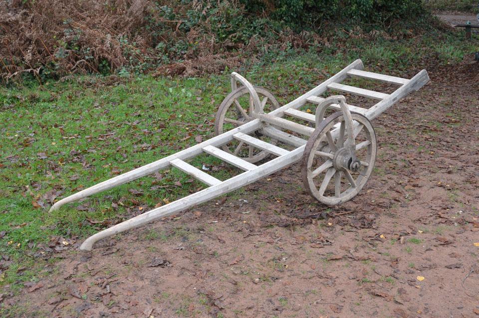 7.jpg (960×638) Garden tools, Wheelbarrow, Garden