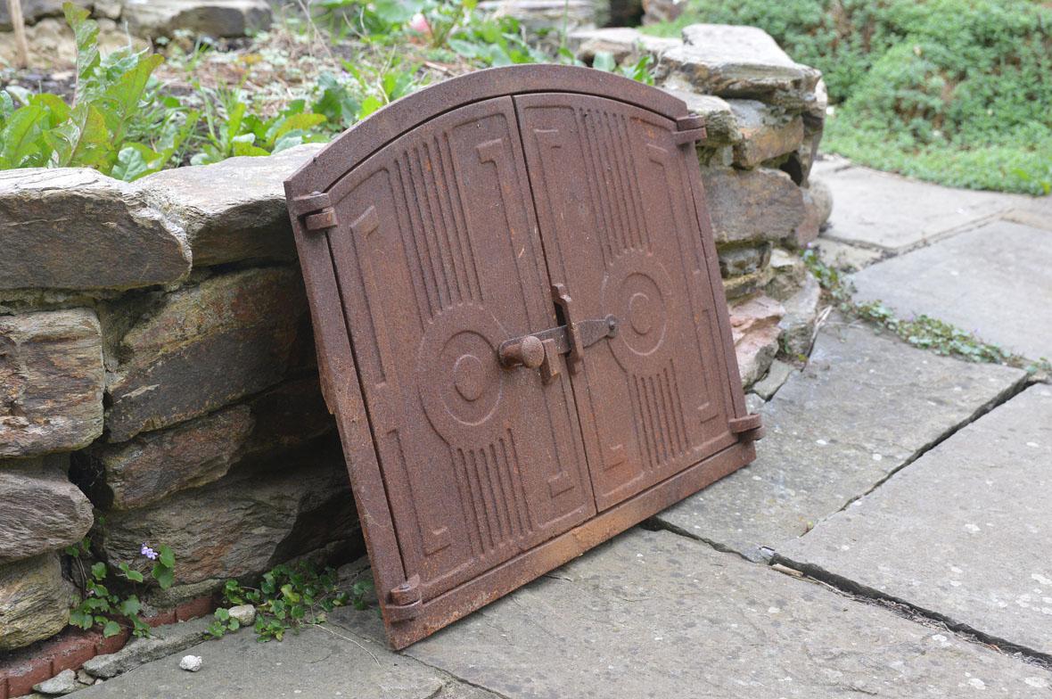 48 x 38 cm old cast iron fire door clay bread oven doors for Door 2 door pizza