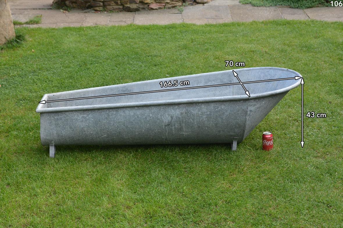 Vintage old galvanised bath metal bath tub washing for Large metal wash tub