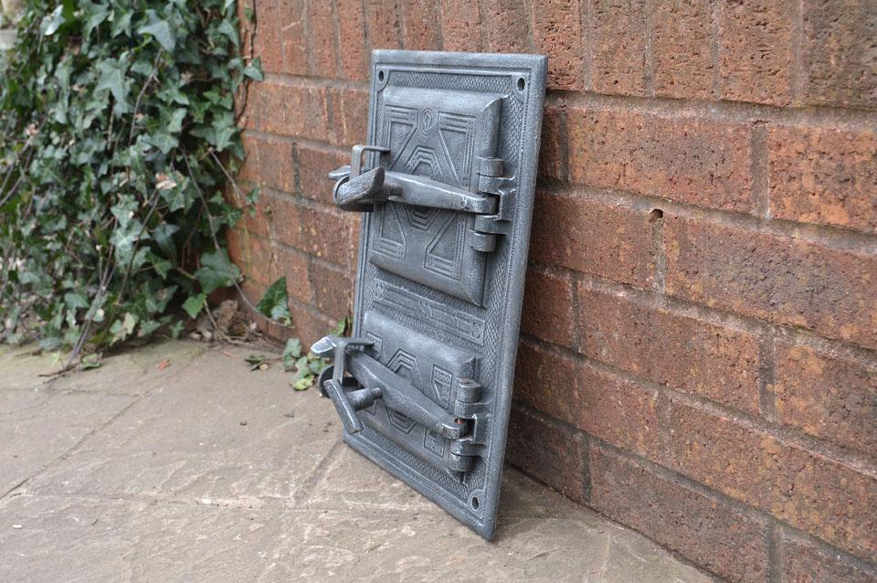 29 5 x 42 cm old cast iron fire bread oven door doors for Door 2 door pizza