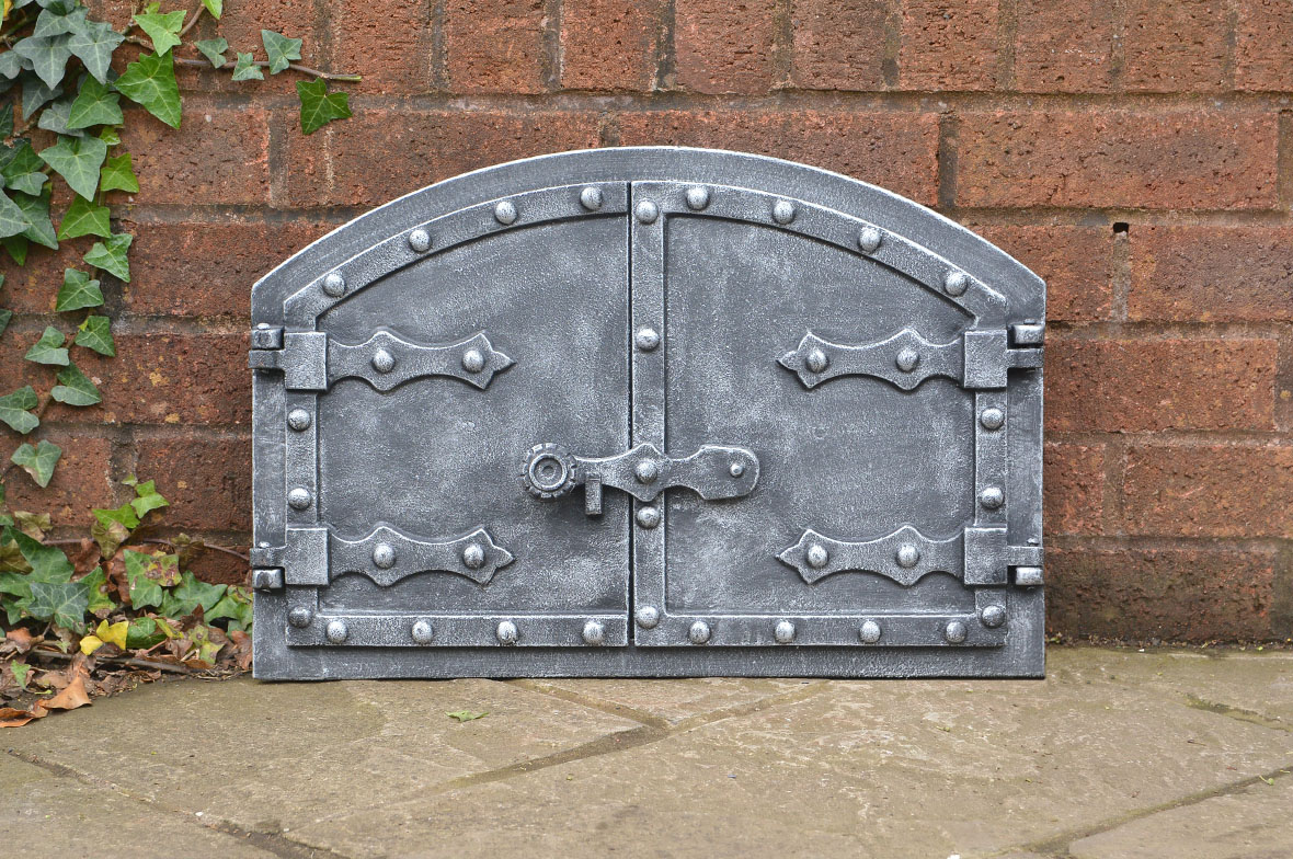 52 5 x 35 4 cm cast iron fire door clay bread oven pizza for Silver fireplace doors