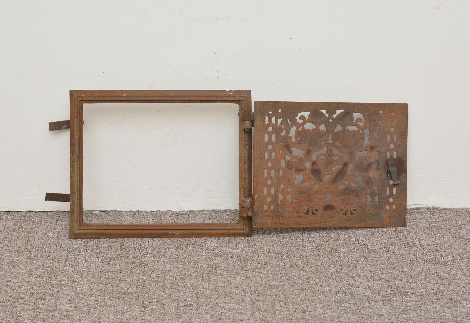 31.8 x 25.5 cm cast iron fire door clay bread oven door pizza stove smoke house
